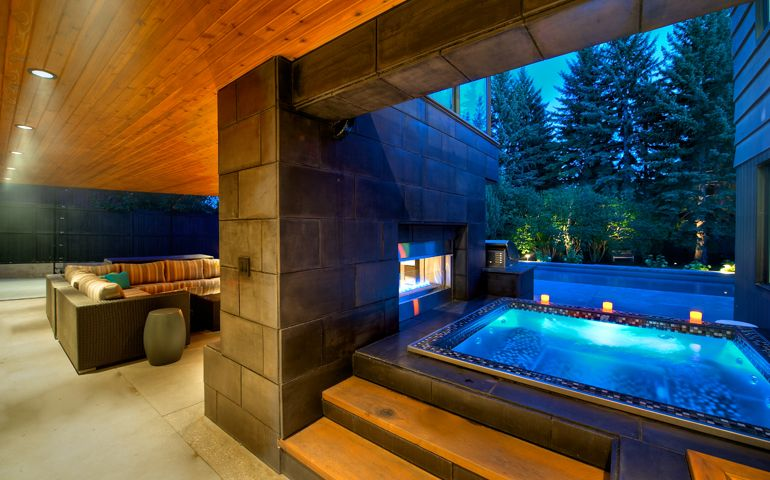 Bradford Products Is The Worldwide Leader In Luxury Hot Tubs For Both Residential And Commercial Lications