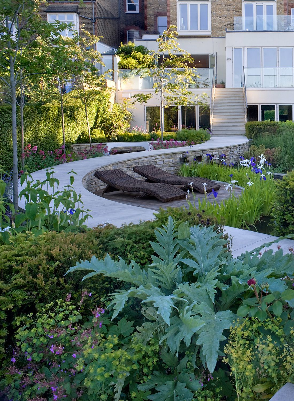 Small Garden Design in Putney | Garden design, Modern ...