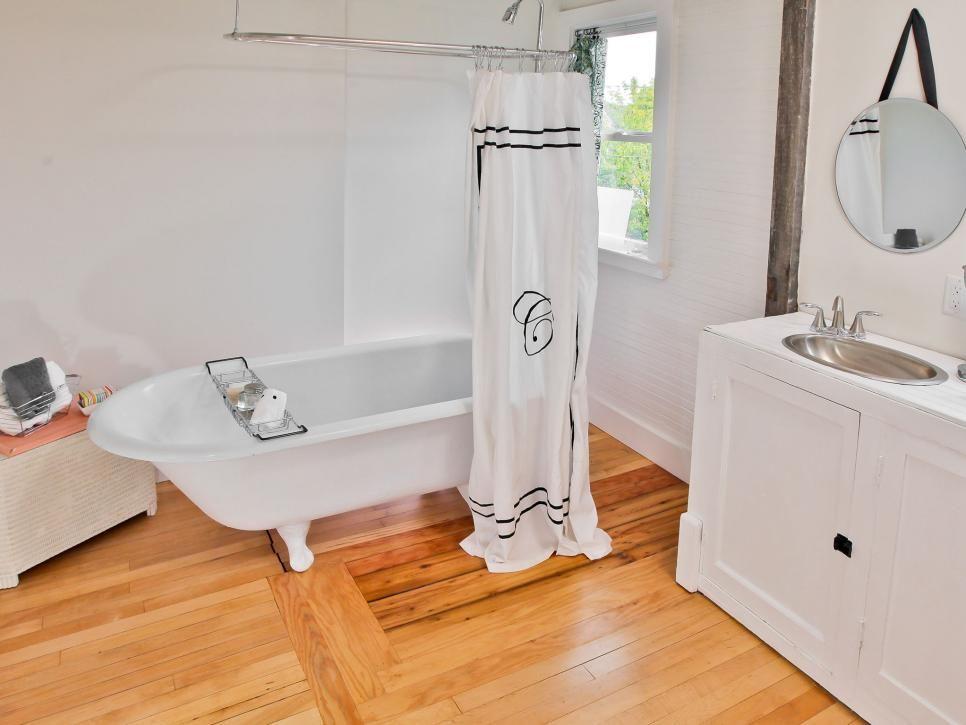 Ordinaire 1880s Farmhouse Overhaul On DIYu0027s Rehab Addict. Small Bathroom Makeovers Bathroom IdeasNicole CurtisRemodel ...