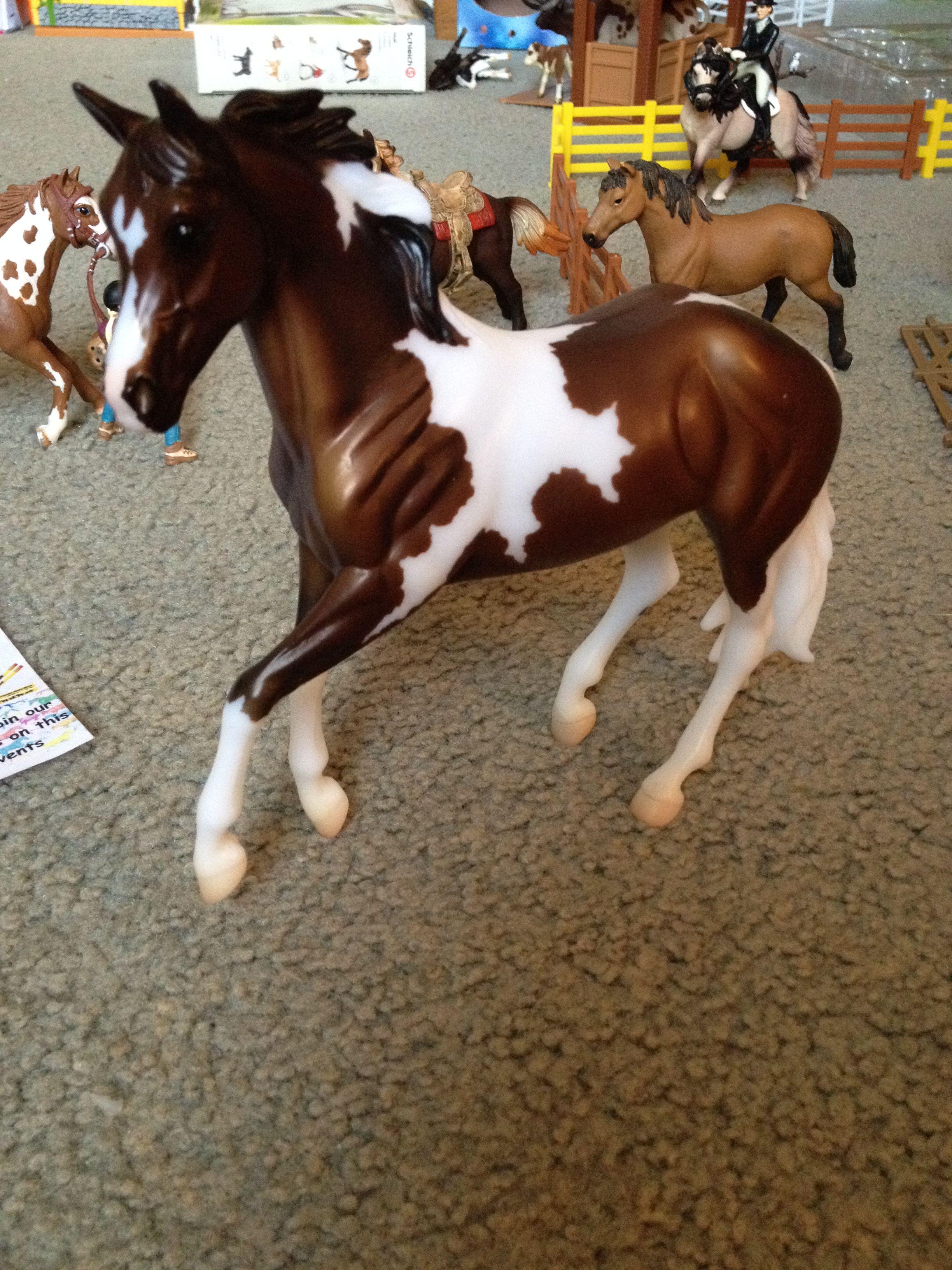 Harper horse sculpture schleich horse tack