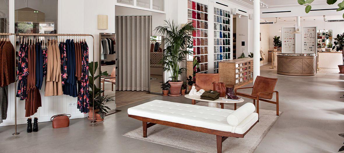 Le Nouveau Concept Store Sezane Aux Batignolles Appartement Sezane Beaux Meubles Boutique Sezane