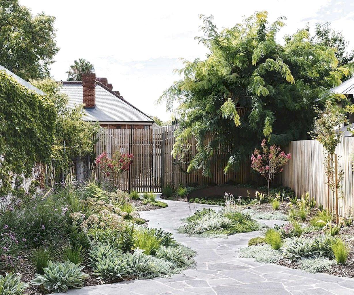 Favorite Side House Garden Landscaping Decoration Ideas With Rocks Exp Decor In 2020 Cottage Garden Urban Garden Landscape Decor