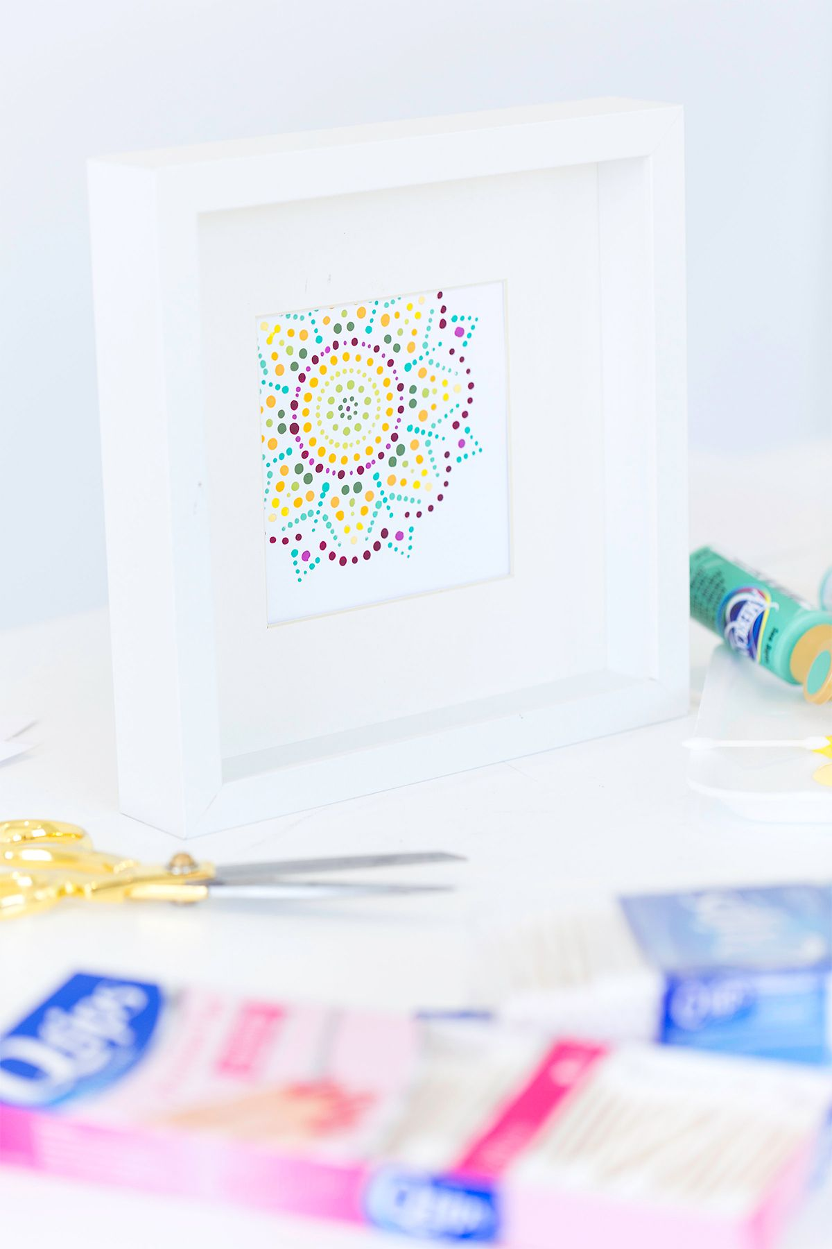 Create this DIY Q-TIPS Mandala Art with supplies