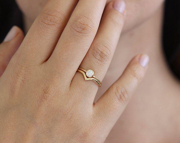 Minimalist Wedding Ring Set Curved Band Diamond Simple