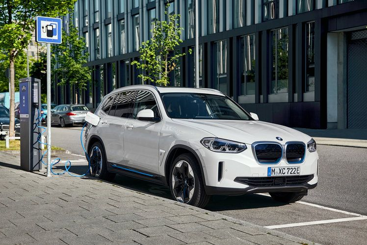 Bmw Ix3 Everything You Need To Know About Bmw S Electric Suv In 2020 Bmw Dream Cars Bmw Bmw Electric