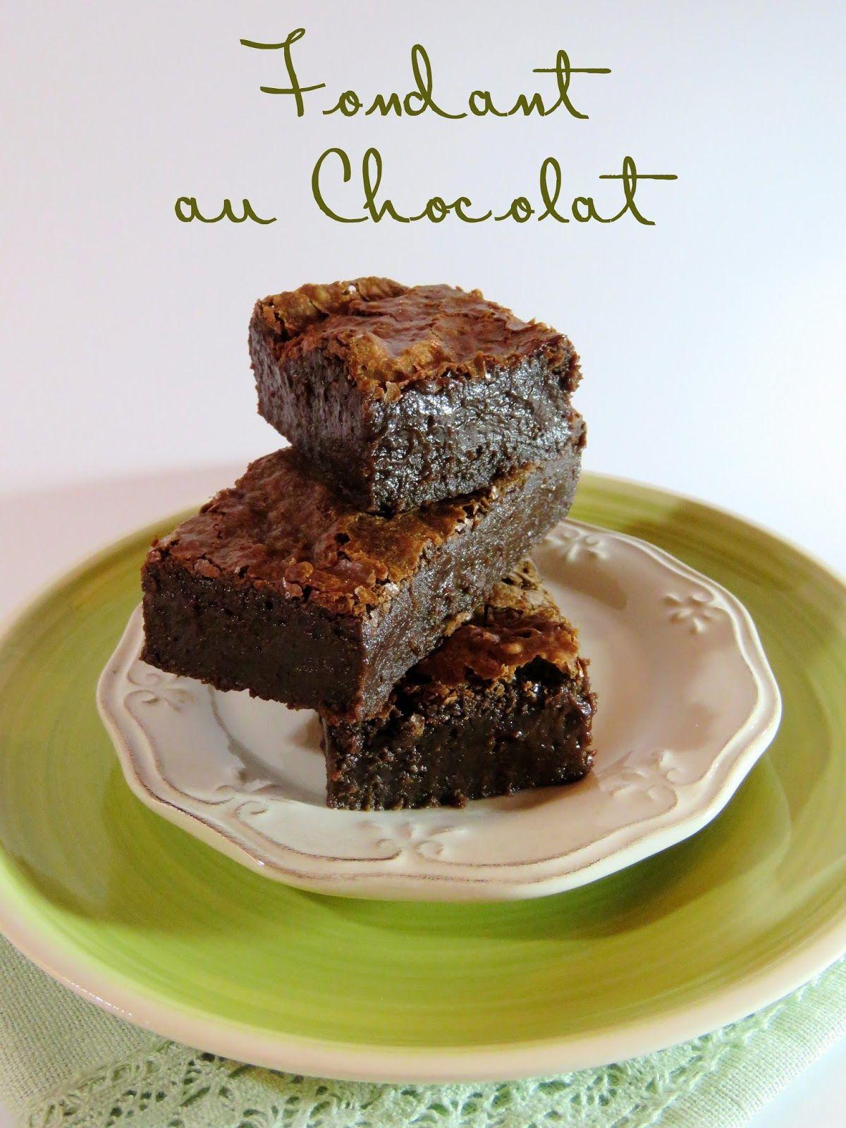 En rédigeant mon article sur le Chocolate Mug Cake , j'ai réalisé que je n'avais encore jamais partagé avec vous ma recette de fondant ...