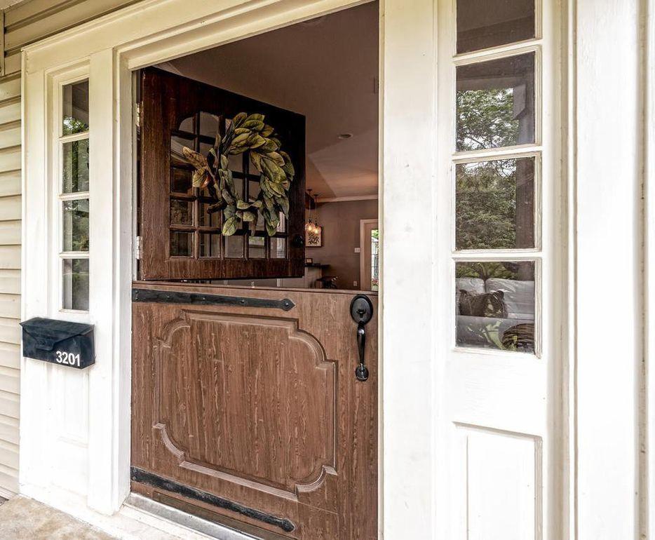 3201 Windsor Ave Waco Tx 76708 Dutch Doors Exterior Dutch Door Fixer Upper House