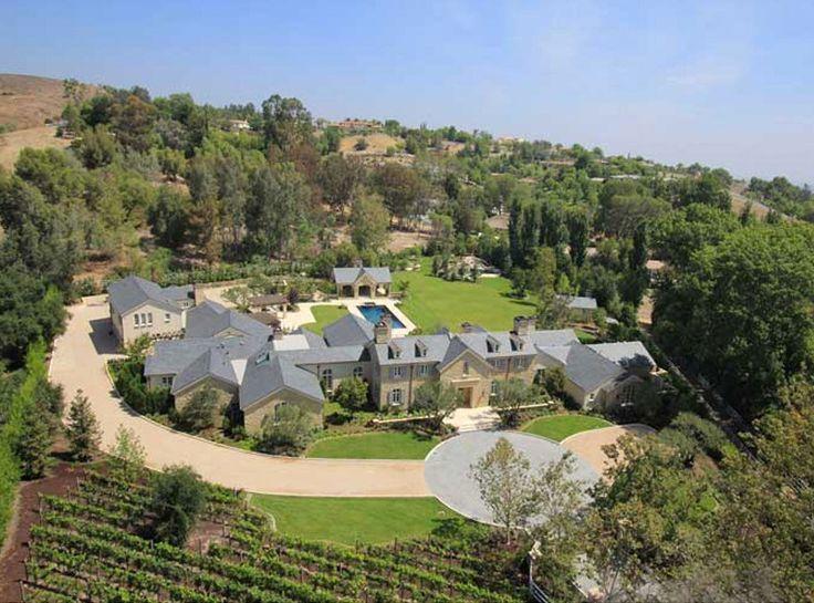 Tour Kim Kardashian And Kanye West S Insane 20 Million Hidden Hills Mansion Kim And Kanye House Celebrity Houses Kardashian Home
