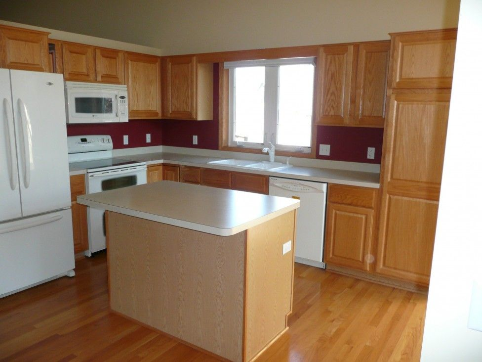 Kitchen Islands Ideas For Modern Kitchen Design Unbelievable Simple Design With Melamine Countertop As Simple Kitchen Pantry De Desain Interior Interior Desain