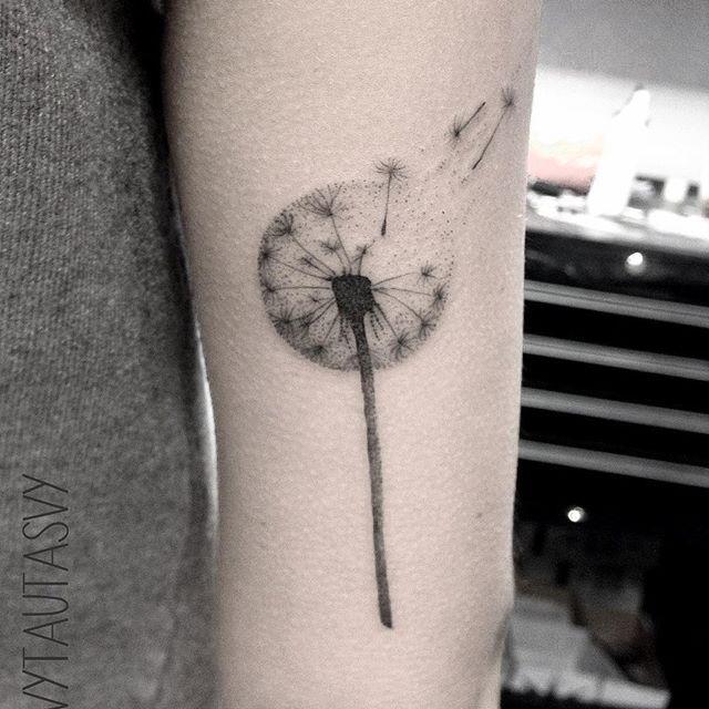 #dandelion #dandeliontattoo #simpletattoo #femaletattoo #dotworktattoo #dotwork #blackink #blxckink #blacktattoo #blxck #blacktattooart #blacktattooing #blackworkers #iblackwork #blackworkershero #tatts #tattoo #tattrx #tattooart #ink #onlyblackart #inklife #inkstinctsubmission #equilattera #vytautasvy #instatattoo #tattoodesign #skinartmag #skinart