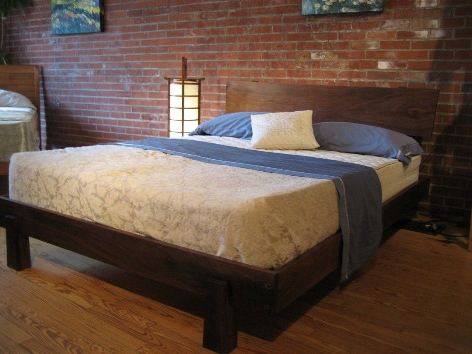 bedroom solid wood platform bed reclaimed style rectangle wood headboard dark brown finish. Black Bedroom Furniture Sets. Home Design Ideas