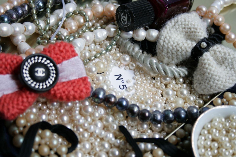 Perle de coco : Broche par ie-bijoux