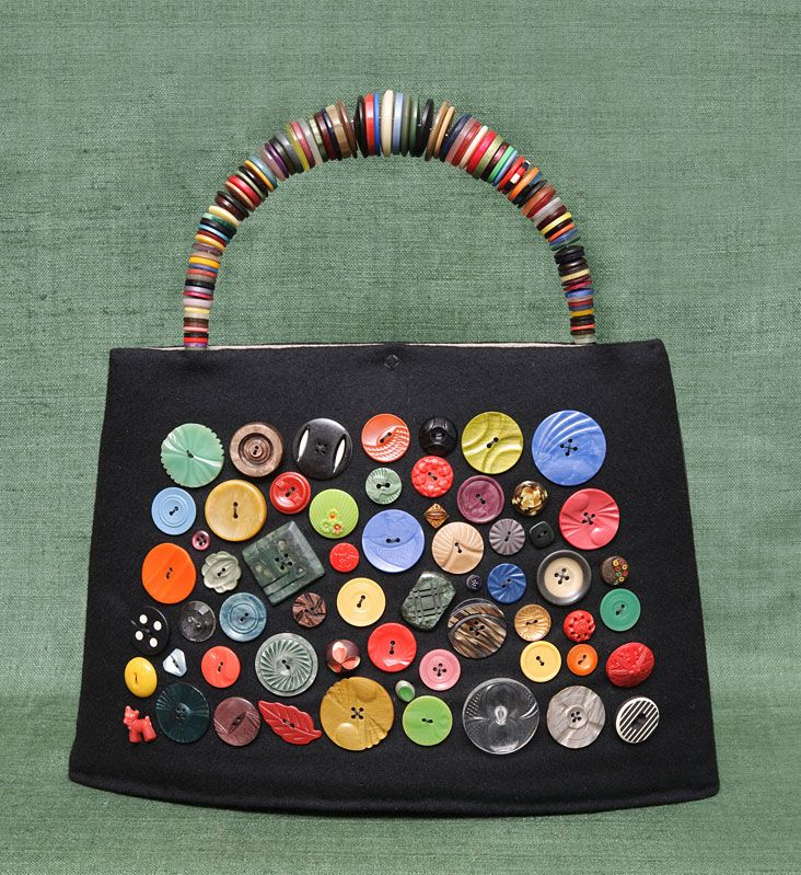 37133672142d ButtonArtMuseum.com - Button Bag by Vita Cochran