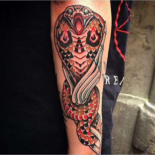 Skull hand and snake on my friend @ricardocontrerastattoo , thanks!!! @ltwtattoo #decraneo #traditionaltattoo