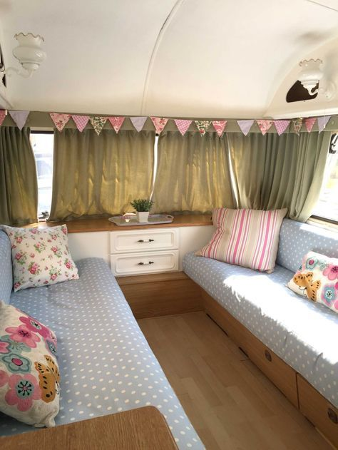 our first caravan makeover take one ugly caravan and transform it camping wohnwagen. Black Bedroom Furniture Sets. Home Design Ideas