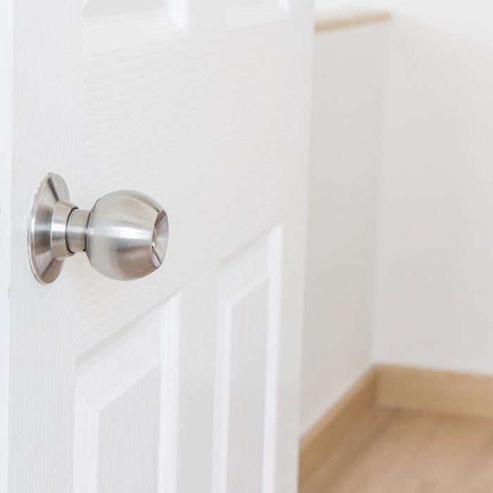 Comment repeindre une porte d 39 int rieur la vid o projets essayer - Repeindre une porte ...