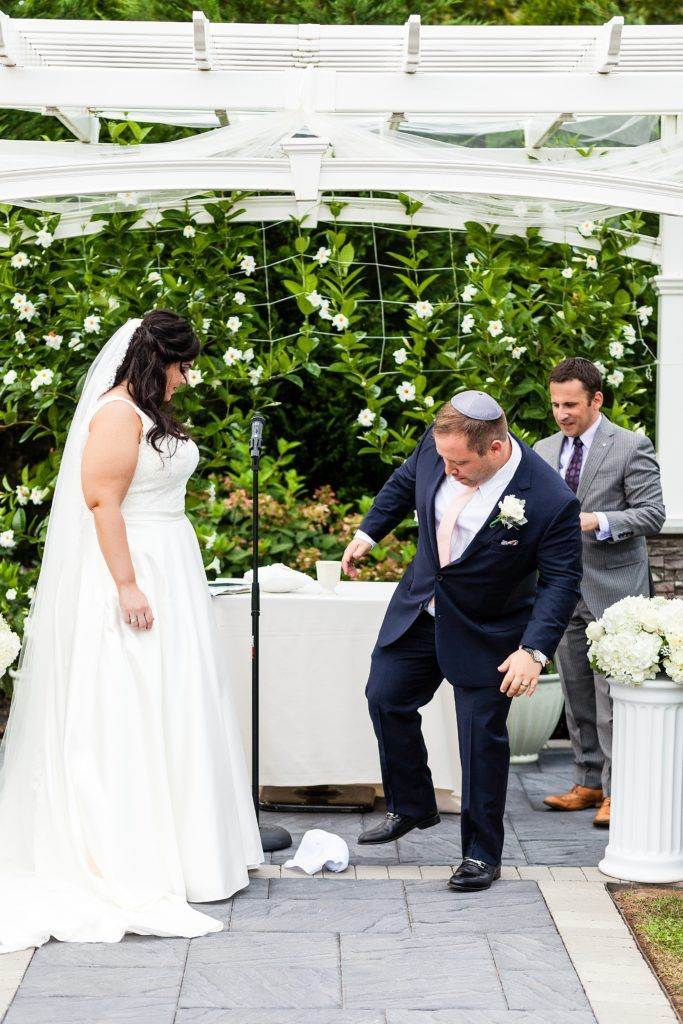 Jewish wedding ceremony, getting married, bride and groom