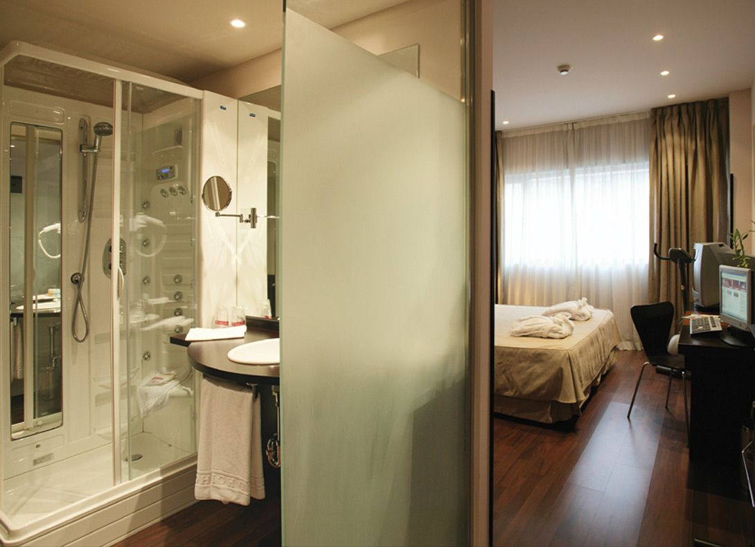 Habitacin Familiar Hotel Petit Palace Madrid Aeropuerto