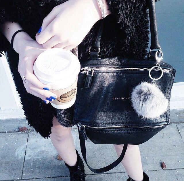 7d1cc16e72 Givenchy pandora small messenger bag
