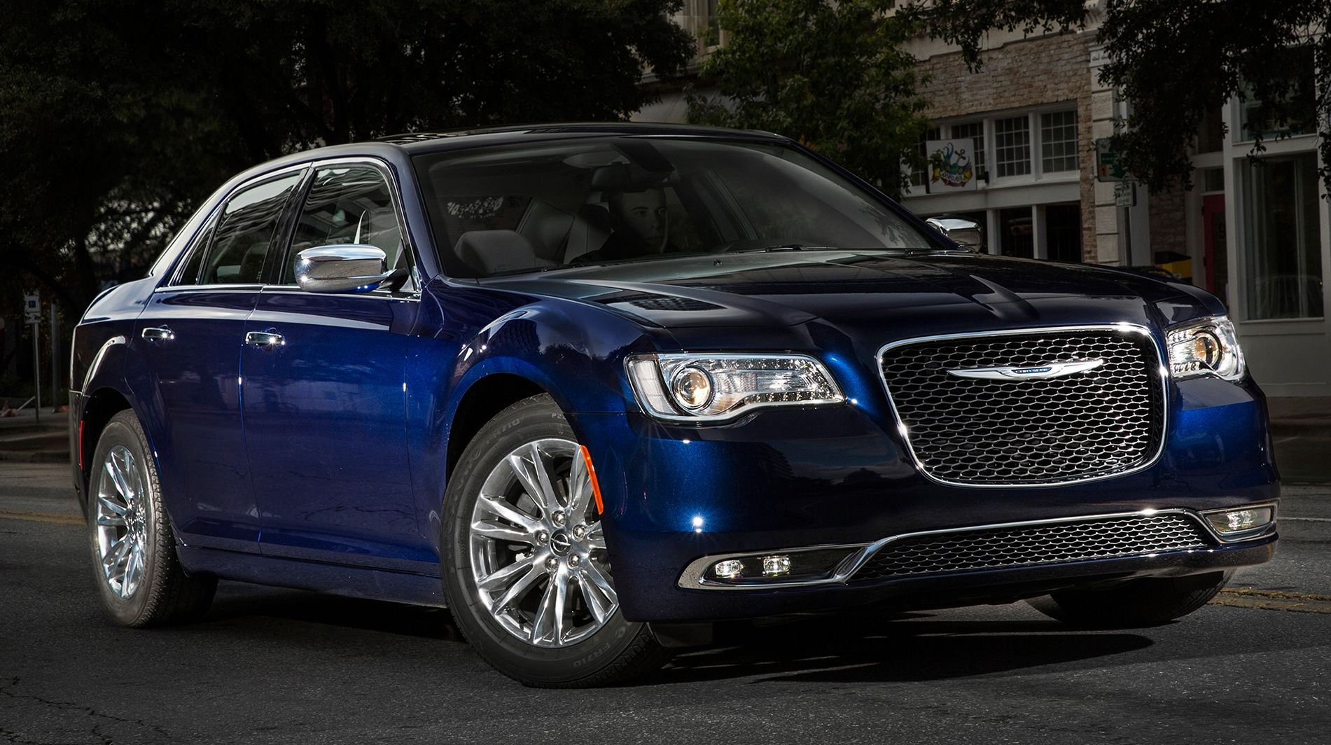 2018 Chrysler 300 Srt8 Price Interior Mpg With Images