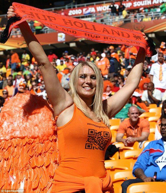 The Famous Dutch Football Fan Beauty With Orange Angel Wings Football Fans Soccer Girl Soccer Fans