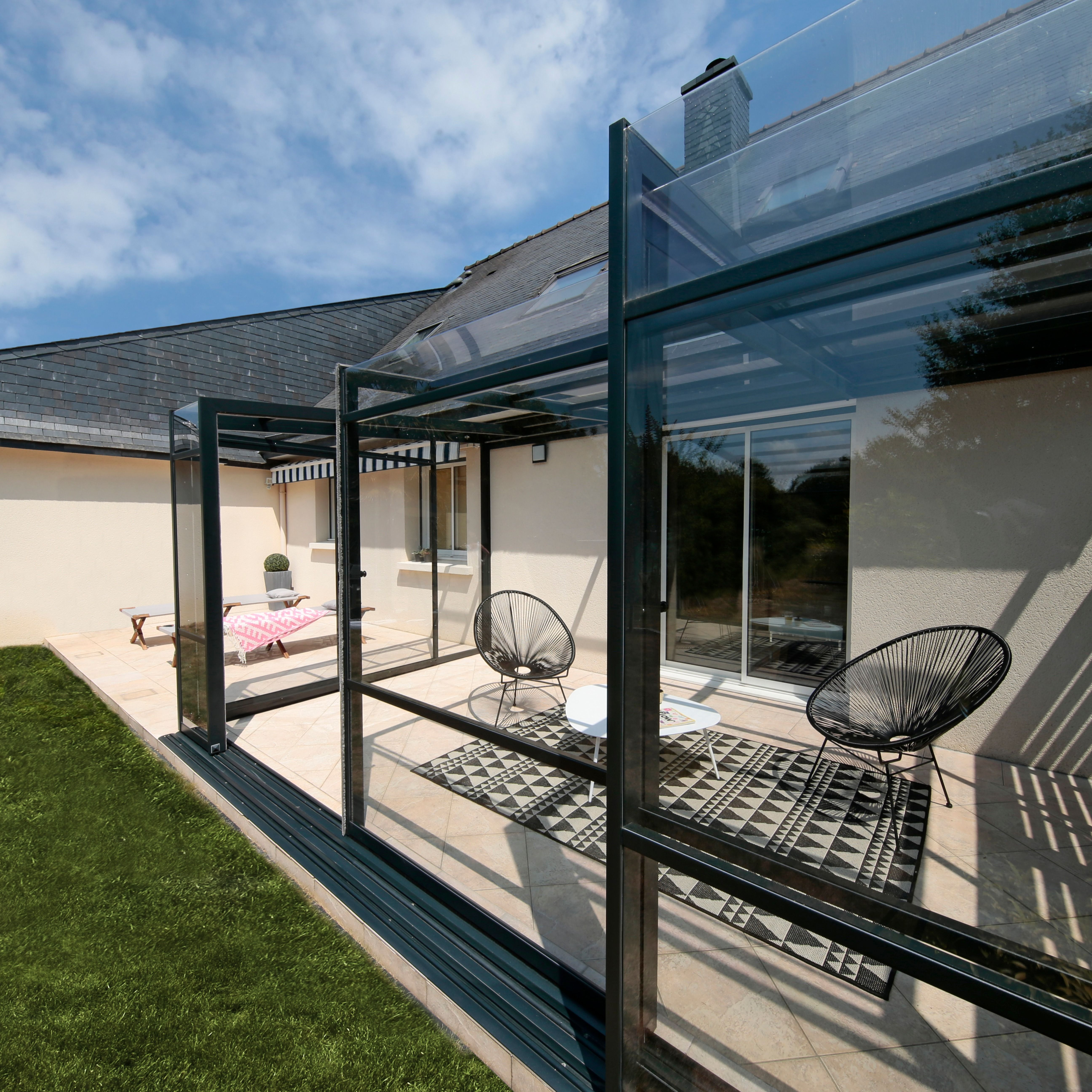 Abri Terrasse Aluminium Modeles Coulissants Telescopiques Renoval En 2020 Abri Terrasse Terrasse Abri