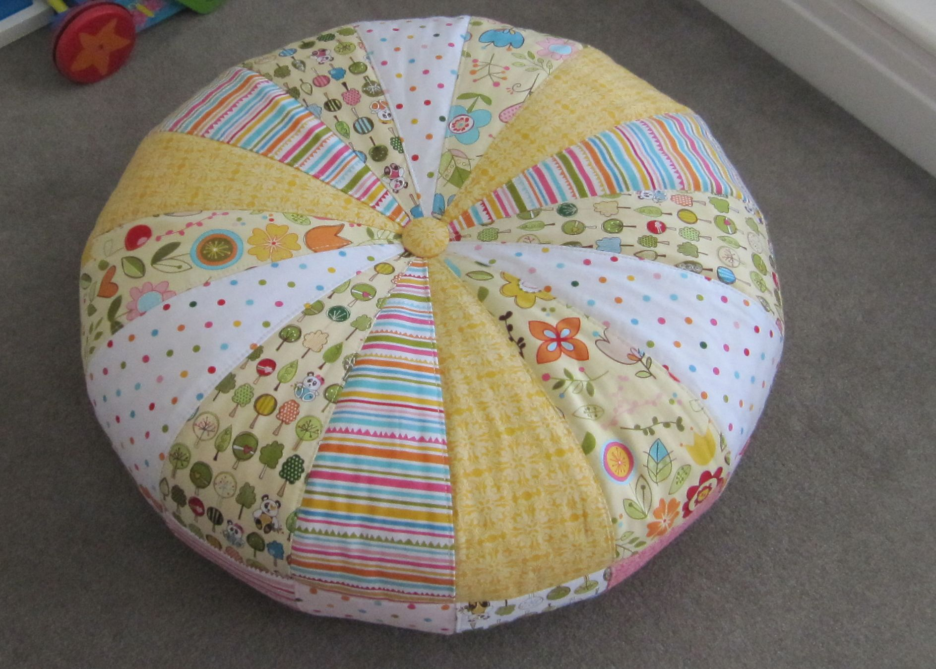 My take on Amy Butler\'s Honey Bun pouf with Sunny Happy Skies for ...