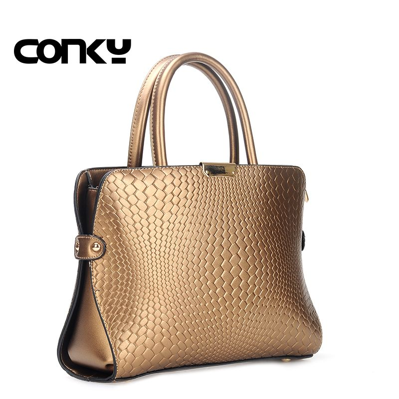 343afa42ab Charm in hands Elegant Alligator Patent Leather Women Handbag Big Women s  Shoulder Bags Cross Lock Design