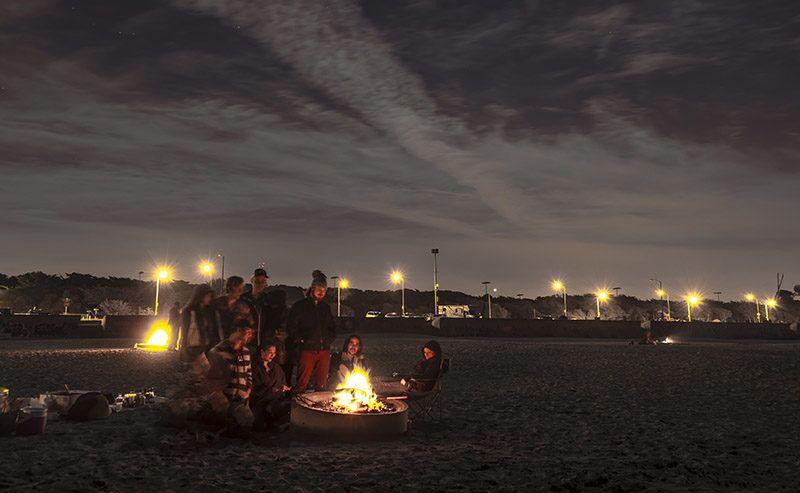 Ocean Beach Bonfires Return For 2020 In 2020 Ocean Beach Beach
