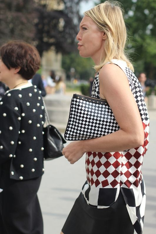 #squared #b/w  #fashion #mode #moda #women #paris #look #streetstyle #streetview #street #style #offcatwalk on #sophiemhabille