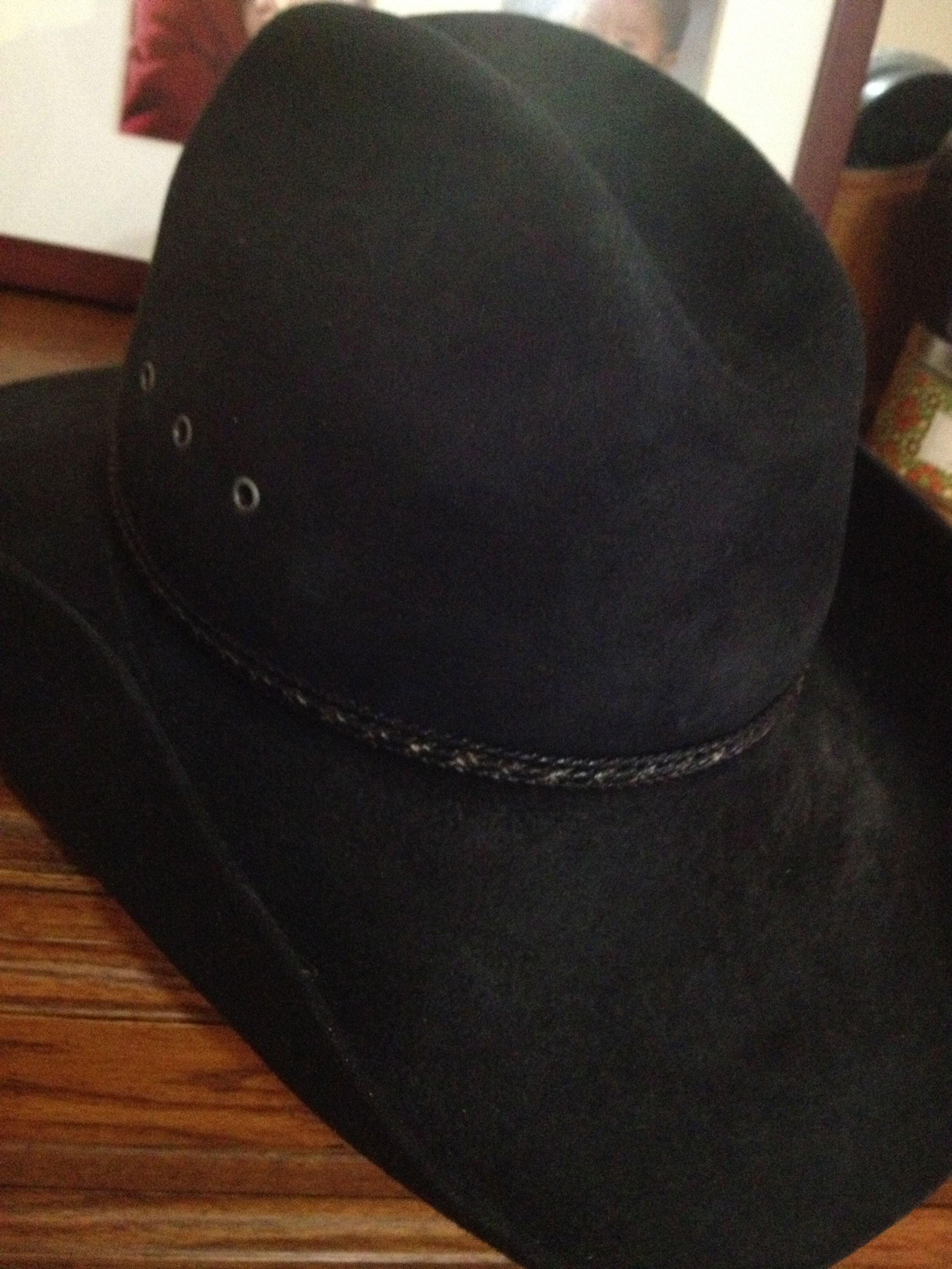 This is the same model and shape cowboy hat that Country Music singer Garth  Brooks wears. 5e63381891f
