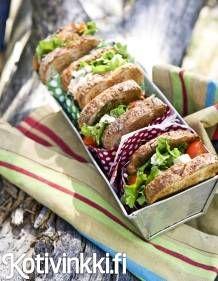 Fetatäytteiset eväsleivät | Kotivinkki