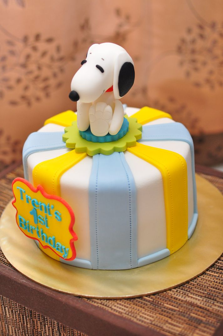 Celebration Fondant Cakes Gallery Snoopy Birthday Cake Birthday