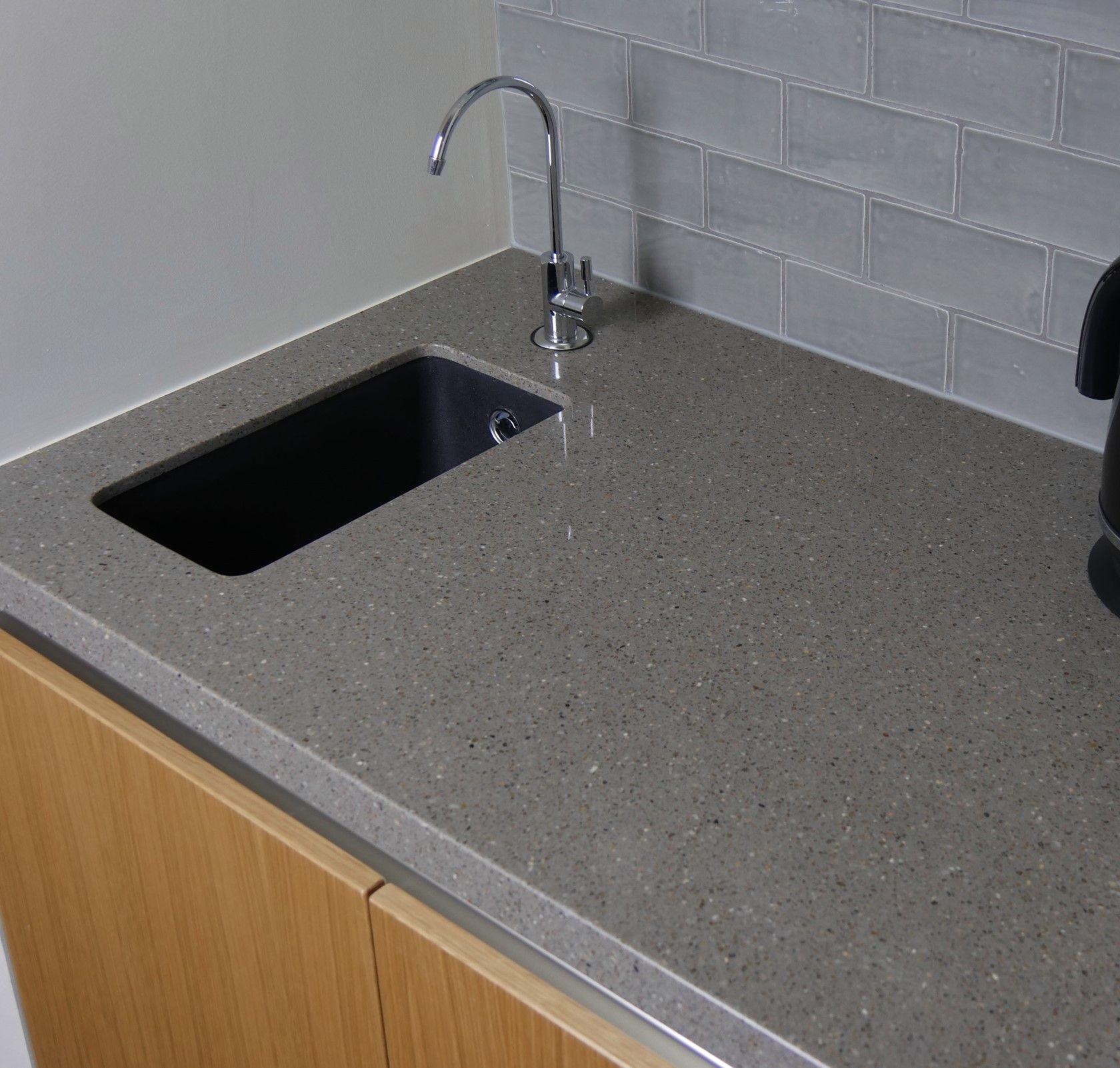 Pin By Kiwi Niksta On Lake House Sink Sink Taps Home D 233 Cor
