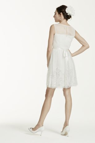 Short Airy And Sweet This Wedding Dress Draws Eal Sleeveless Bodice Features