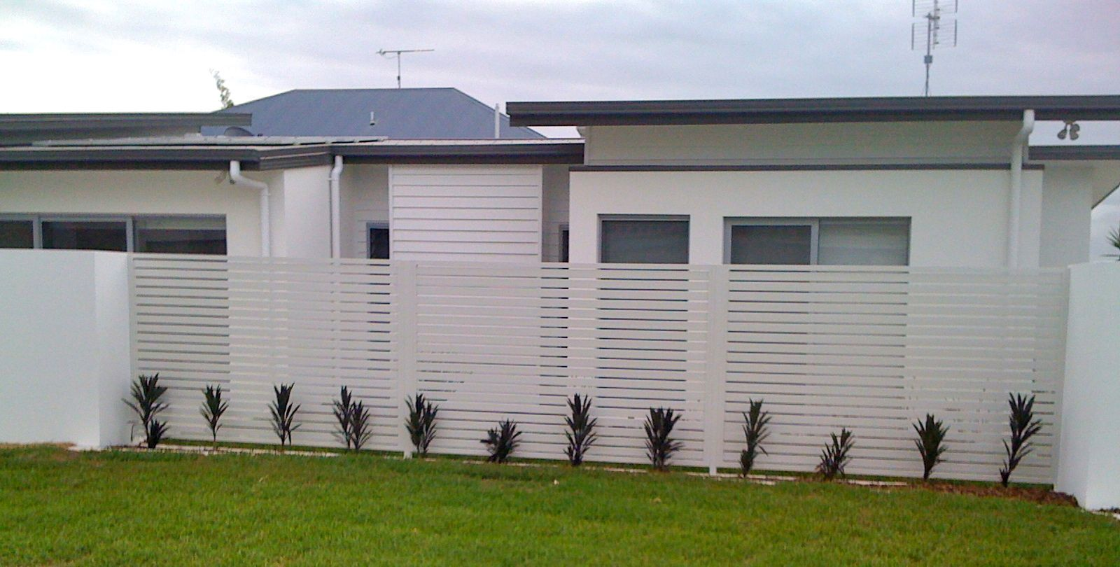Next Generation Fencing Pool Fencing Gates And Balustrades Gold Coast Pool Fence Glass Pool Fencing Outdoor Fencing