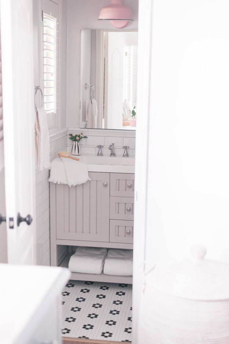 Top Phoenix Life And Style Blogger Love And Specs Small Master Bathroom Small Bathroom Remodel Bathroom Remodel Master [ jpg ]