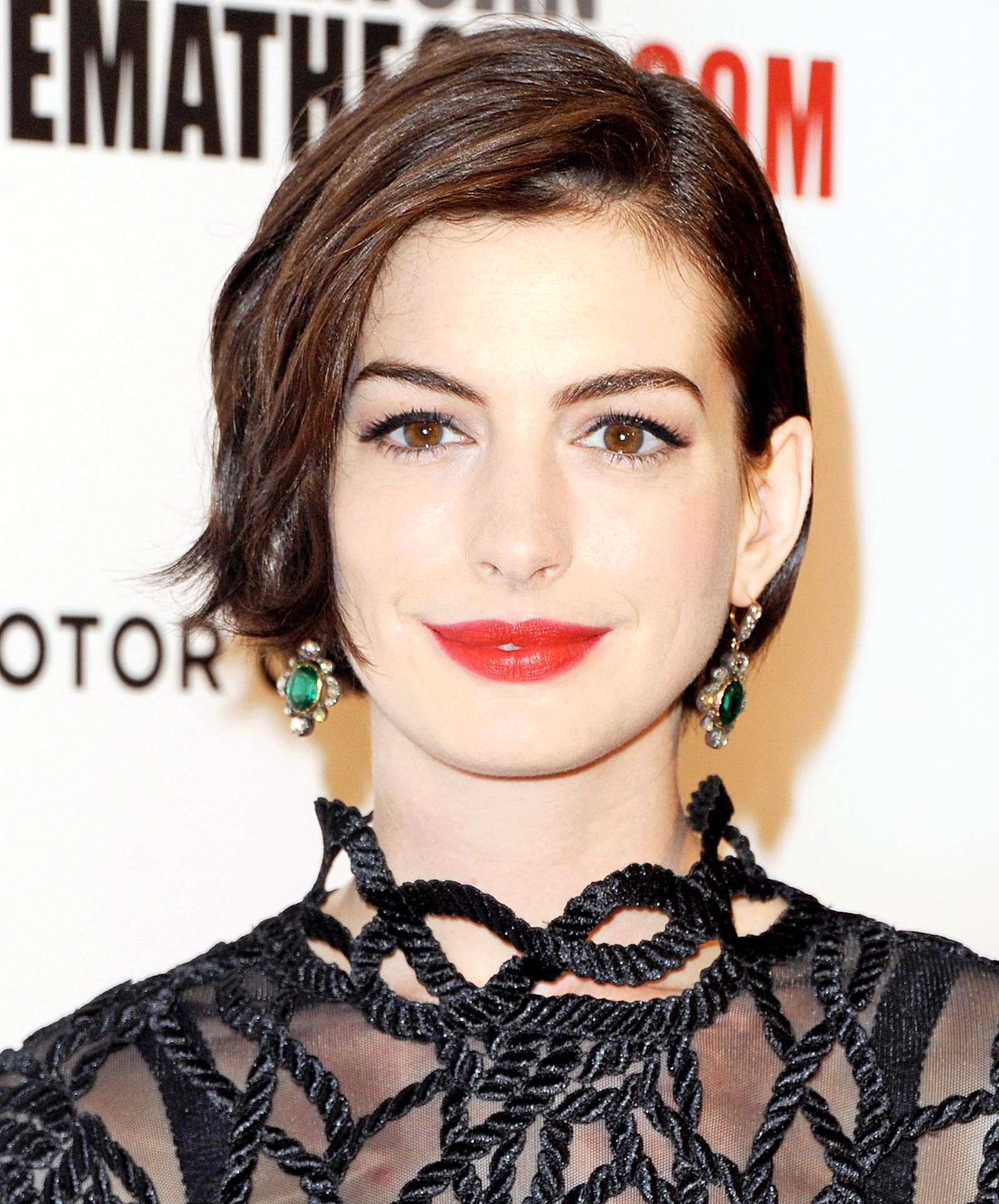 peace out, pixie! see anne hathaway's fierce new bob from every