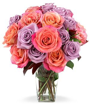 Send 2 Dozen Mixed Roses In A Box To Cebu In 2020 Flower Delivery Flowers Delivered Valentine Bouquet