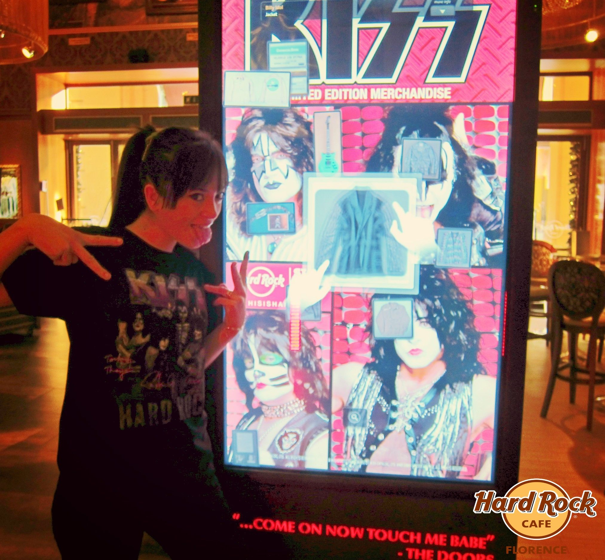 #ThisIsHardRock new TShirt Limited Edition Sig Series 32 dedicated to #Kiss, buy this item and support #CityOfHope