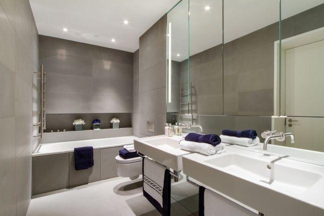Modernes bad minimalistisch großer wandspiegel taupe fliesen