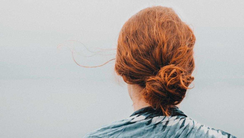 Comment Faire un Beau Chignon : le guide complet ! | Chignon facile, Chignon et Coiffure cheveux ...