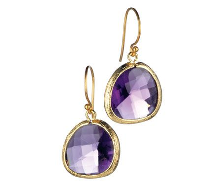 love these. too bad I can't wear earrings at work, but these would be awesome for a night out.