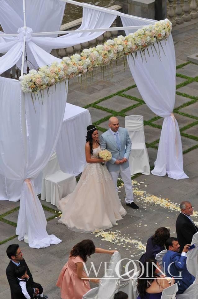 Bahai gorgeous outdoor wedding ceremony at tufenkian avan dzoraget bahai gorgeous outdoor wedding ceremony at tufenkian avan dzoraget hotel lori region armenia publicscrutiny Choice Image