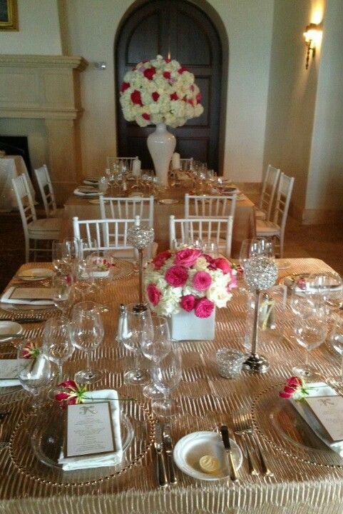 A Smashing Table with Beachview Rentals Exquisite Linens
