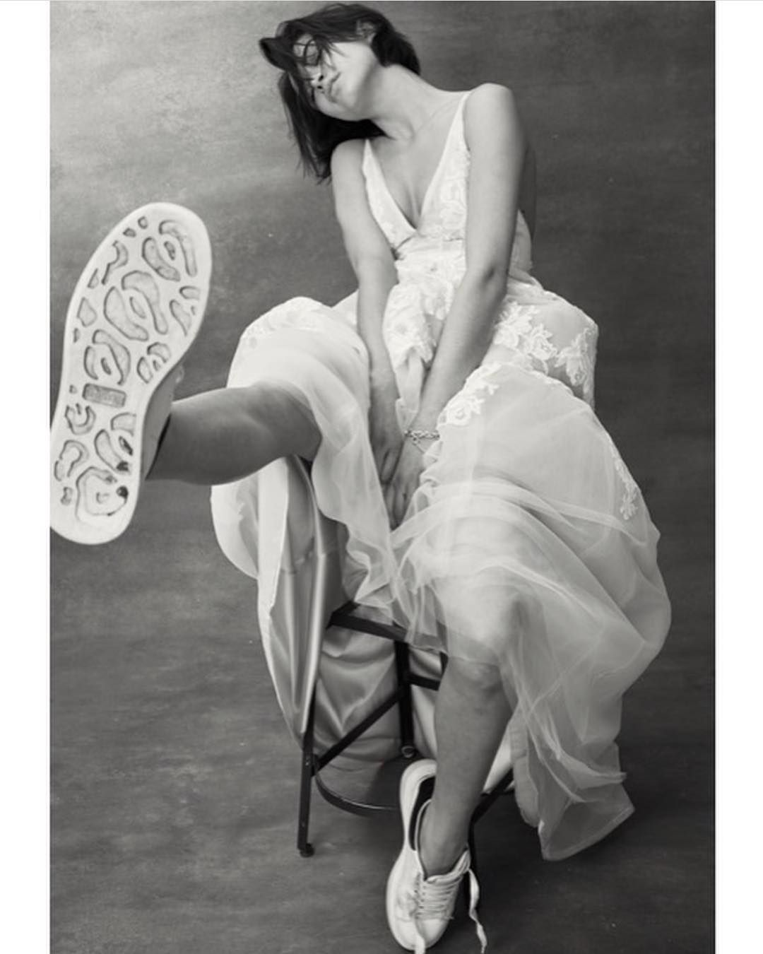Newyork fasion model britishshorthair weddingdress mcqueen