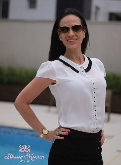 Blusa Crepe com detalhes na gola nas cores off white e preta lailak    Blusas 8   Fashion, Womens fashion e Blouse fe08e96af0