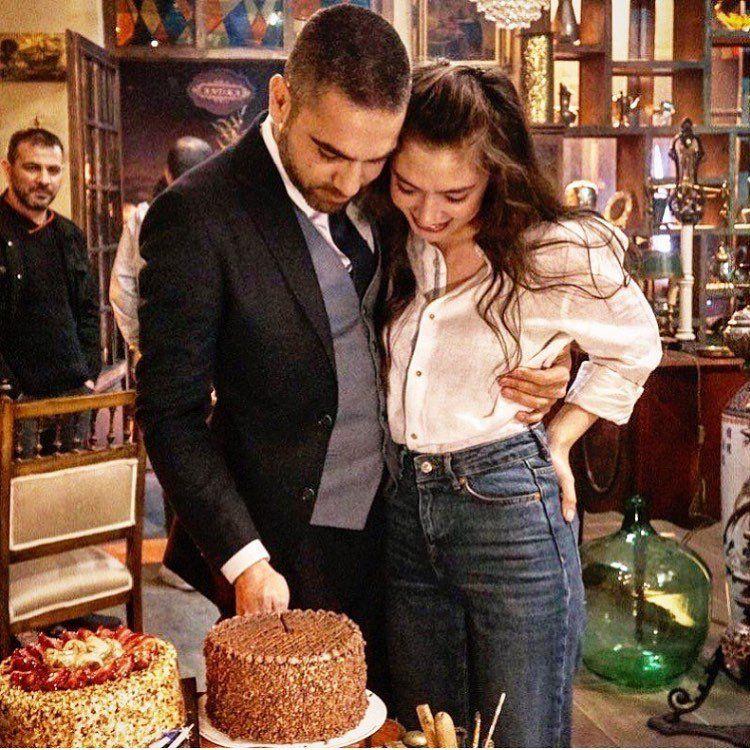 Neslihan Atagul And Kadir Dogulu On A Romantic Trip Of Bosphorus Famous Couples Turkish Actors Turkish Women Beautiful