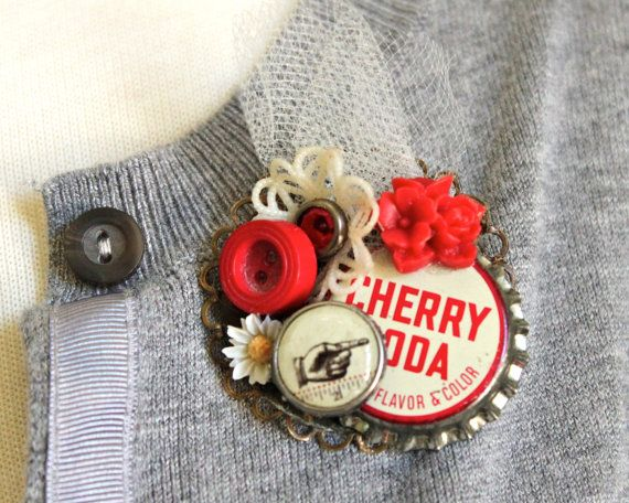 make a Brooch out of old junk pieces, saw this on Cat and Carry, looked really cute and a good way to use up odds and ends of little antique junk