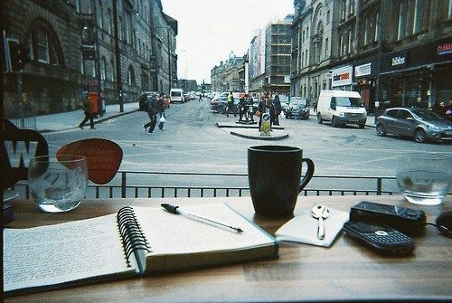 Imagen de coffee, city, and book